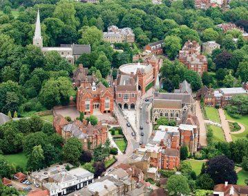 Harrow House International College Kompas