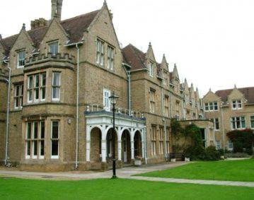 Bucksmore Education St Hildas College Kompas
